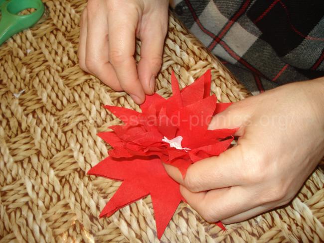 как сделать бумажные цветы для гирлянды на гавайскую вечеринку