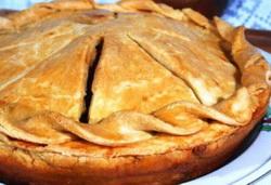 Закрытый пирог с картофелем и грибами