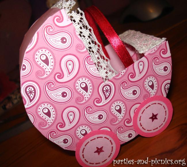 Мастер-класс: Подарок новорожденному (открытка + коляска для денег)