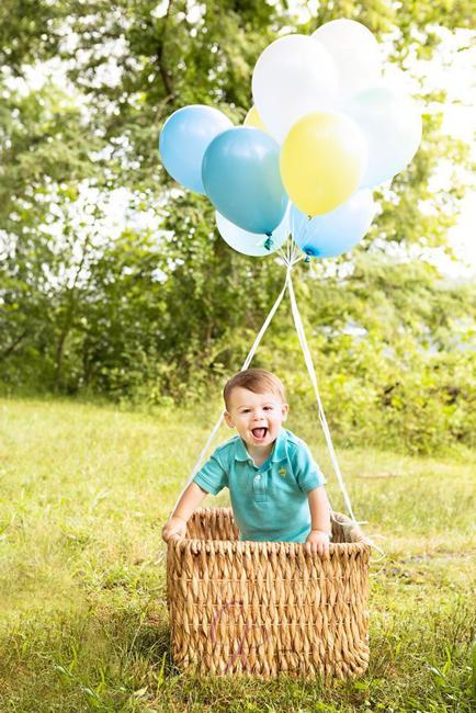 Идеи для детских фотографий с воздушными шарами
