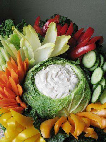 как выложить овощную нарезку
