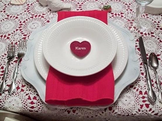 Как украсить стол на День Святого Валентина